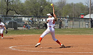 Softball sweeps conference opponents, improves to 6-0 in Jayhawk East